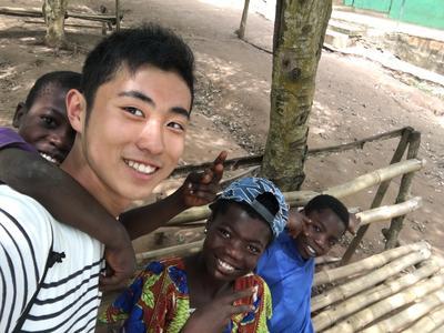 ガーナに滞在して子供たちのケア活動を行ったボランティア