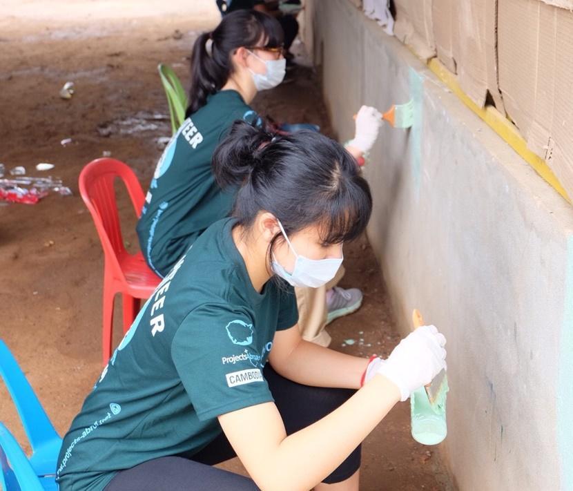 世界中から集まった高校生のボランティア