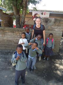 Karoline Peeters  -  Sociaal project in Tanzania