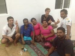 Janek Roszkowski podczas Wolontariatu z dziećmi na Fidżi z Projects Abroad