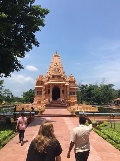 Widok na nepalską świątynię
