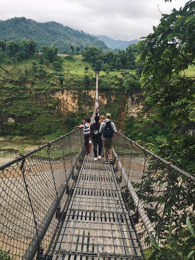 Most podwieszony nad Nepalską przełęczą