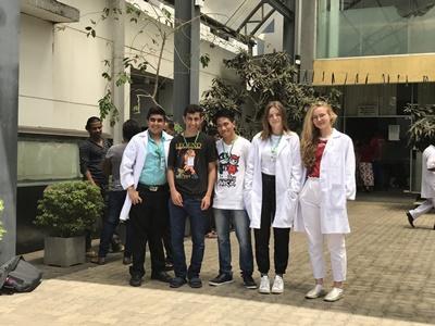 Wolontariusze z projektu grupowego dla młodzieży